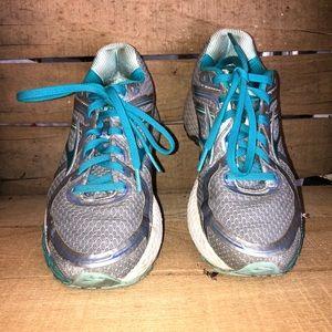 Brooks GTS 16 Edition Women's Running Shoes Sz 9.5